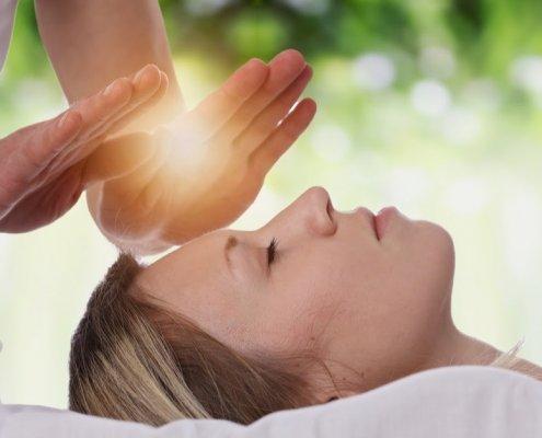 Reiki and Intiutive Healing Danielle Van de Velde