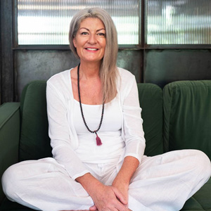 private sessions intuitive healing and mentoring in person danielle van de velde